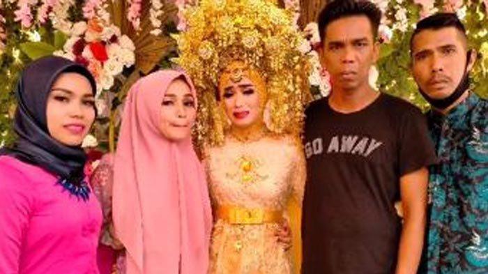 Saat Pengantin Wanita Sendirian di Pelaminan, Karena Suami Meninggal Jelang Resepsi Pernikahan