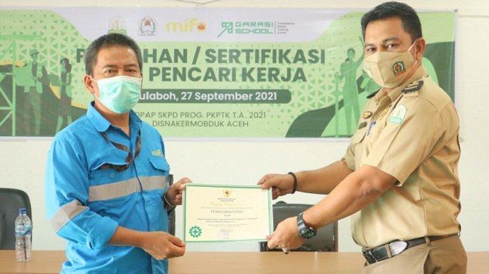 PT Mifa Terima Penghargaan Program P2 Covid -19 dari Kementerian