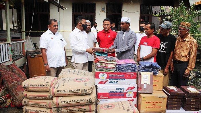 Wakil Ketua DPRA Serahkan Bantuan Tanggap Darurat untuk Korban Kebakaran TPA di Abdya