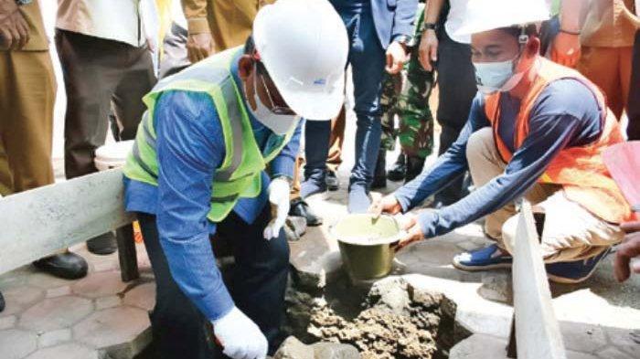 Wali Kota Melakukan Peletakan Batu Pertama Masjid Taqwa