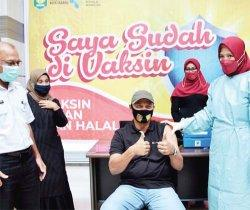 Wali Kota Sabang Terima Vaksin Tahap Pertama