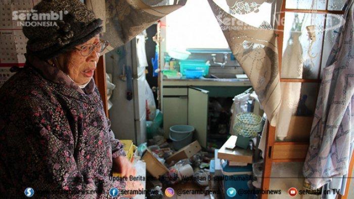 FOTO - Kondisi Terkini Fukushima Jepang, Setelah Diguncang Gempa Berkekuatan 7.1 Magnitudo - wanita-jepang.jpg