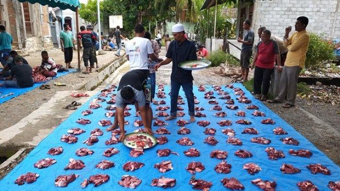 Warga Dusun II Keude Siblah Abdya Sembelih Tiga Ekor Ternak Kurban