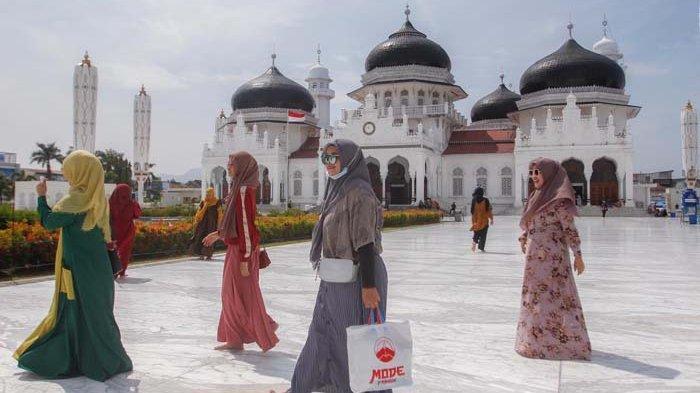 Masyarakat Manfaatkan Libur Panjang Dan Cuti Bersama Serambi Indonesia