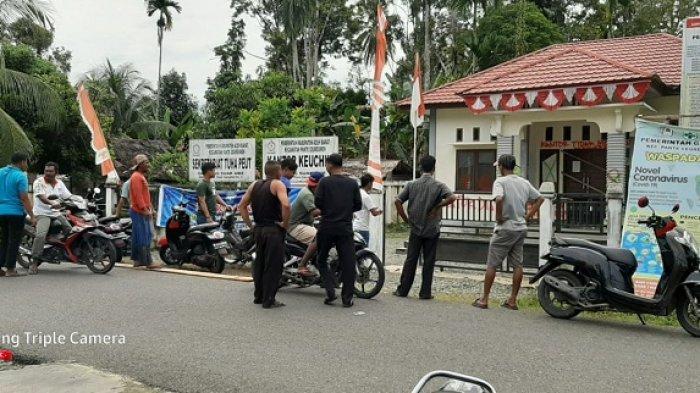 Warga Suak Awe, Aceh Barat Segel Kantor Keuchik, Ini Persoalannya