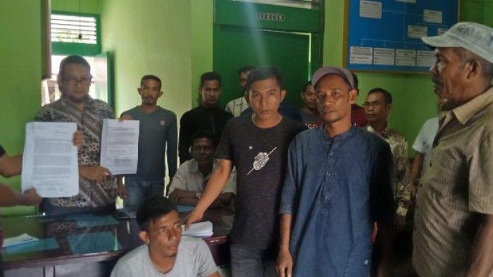 Pemuda Padang Panjang 'Serbu' Kantor Camat