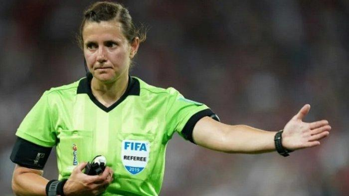 Kateryna Monzul Menjadi Wasit Wanita Pertama Kualifikasi Piala Dunia