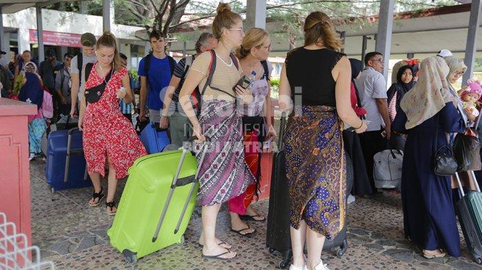 FOTO-FOTO : Wisatawan Ke Sabang Mulai Meningkat