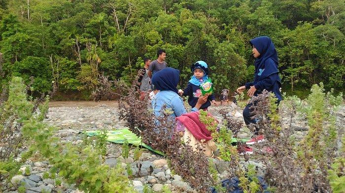 Asyiknya Piknik di Tepi Sungai Jalin, Primadona Wisata Alam dari Aceh Besar