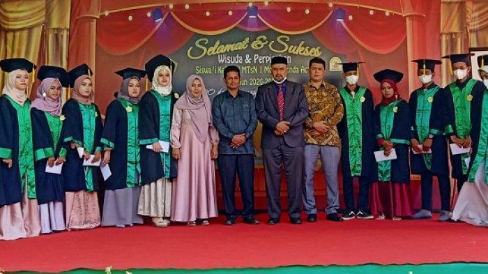400 Siswa MTsN 1 Model Banda Aceh Diwisuda, 13 Anak Kurang Mampu Diberi Beasiswa ke Sekolah Lanjutan