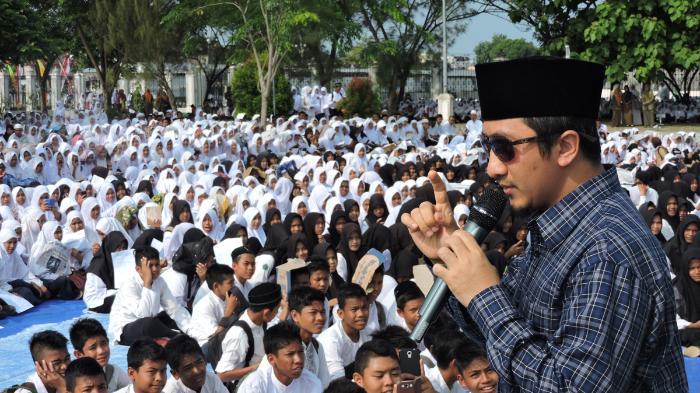 Ustaz Yusuf Mansur Janjikan Beasiswa Pesantren untuk Semua Anak Kru Kapal Selam KRI Nanggala-402