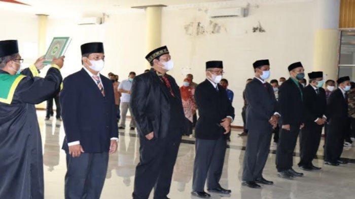 Direktur Politeknik Negeri Lhokseumawe Lantik Enam Ketua Jurusan dan Kepala Pusat Penelitian