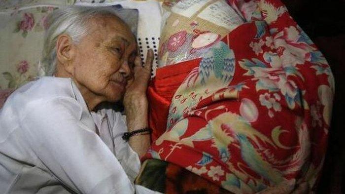 Kisah Nenek 94 Tahun Terus Pegang Baju Tentara Jepang Tiap Jelang Tidur, Selalu Menitihkan Air Mata