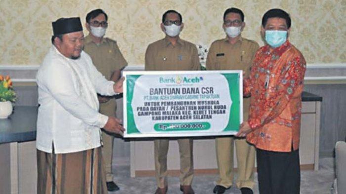 Dukungan Bank Aceh Syariah Tapaktuan untuk Pengembangan Mushalla dan Pesantren