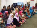 43-orang-warga-aceh-yang-ditahan-sejak-2-mei-lalu-di-port-klang-selangor-malaysia_20170530_194901.jpg