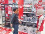 ace-hardware-suzuya-mall-sedang-menjelaskan-tentang-produk-promo_20180409_100943.jpg