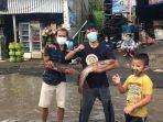 aksi-protes-warga-tamansari-kabupaten-bogor-terkait-jalan-rusak.jpg