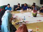 anggota-dpra-iskandar-usman-al-farlaky-bertemu-dengan-keluarga-nelayan-aceh-timur.jpg