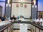 anggota-dpra-menggelar-rapat-koordinasi-dengan-komisi-independen-pemilihan-kip-aceh.jpg