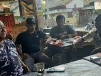 azwar-paling-kiri-warga-pasi-lhok-kecamatan-kembang-tanjong.jpg