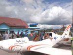 bandara-syekh-hamzah-fansury-untuk-melihat-korban-banjir_20171113_092155.jpg