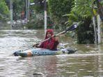banjir-bekasi-1.jpg<pf>mengevakuasi-anak-bayi.jpg<pf>foto-udara-banjir.jpg<pf>banjir-akibat-luapan.jpg<pf>foto-udara-banjir-2.jpg