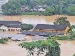 banjir-di-sekolah-siti-nurhaliza-yakni-se.jpg