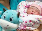 bayi-lahir-dari-satu-pasangan-di-china-dibatasi-dua-orang.jpg