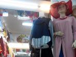 berbagai-baju-tunic-dipajang-pada-salah-satu-toko_20170413_082355.jpg