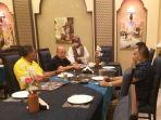 bupati-aceh-singkil-dulmusrid-menjamu-direktur-utama-pt-pupuk-indonesia-tbk.jpg