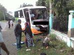 bus-jamaah-zikir-tabrakan_20180415_152445.jpg