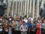 deklarasi-koalisi-aksi-menyelamatkan-indonesia-kami-di-tugu-proklamasi-jakarta.jpg