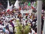 demo-bela-rohingya-di-jakarta_20170906_220746.jpg