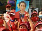 demo-di-luar-kantor-kedutaan-myanmar-atas-penahanan-aung-san-suu-kyi.jpg