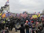 demonstran-gebrak-gerbang-gedung-dpr-as.jpg