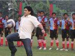 diego-maradona-saat-ke-india.jpg