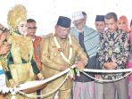 dirut-bank-aceh-syariah-dan-bupati-bireuen_20180821_085302.jpg