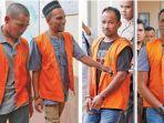 empat-dari-lima-terdakwa-kasus-penyelundupan-sabu-50-kilogram.jpg