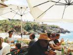 eskpatriat-lebanon-bersantai-di-restoran.jpg