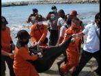 evakuasi-jenazah-nelayan-di-aceh-barat-daya.jpg