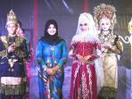 fashion-show-di-ajang-atjeh-wedding-expo_20151012_092828.jpg