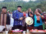 festival-panen-kopi-gayo-di-kampung-gunung_20171217_073403.jpg