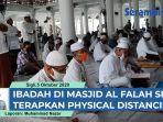 ibadah-shalat-jumat-di-masjid-al-falah-sigli-terapkan-physical-distancing.jpg