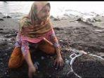 ibu-rumah-tangga-kampung-tamilow-kecamatan-amahai-kabupaten-maluku-tengah-maluku-mendulang-emas.jpg