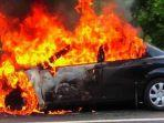 ilustrasi-mobil-terbakar.jpg