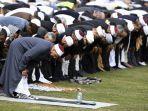 imam-masjid-al-noor-gamal-fouda-memimpin-shalat-jumat-pada-22-maret-2019-di-selandia-baru.jpg