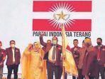 inisiator-dan-deklarator-partai-indonesia-terang-pit-bersama-ketua-dewan-pembina.jpg