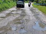 jalan-nasional-ketambe-bertaburan-lubang-bpjn-wilayah-i-aceh-terkesan-tutup-mata.jpg