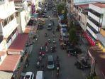 jalan-protokol-pusat-kota-lhokseumawe-memasuki-ramadan-ke-4-mulai-jelang-berbuka-puasa.jpg