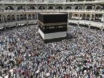 jemaah-haji-mengeliling-kabah-di-mekkah-saudi-arabia_20160916_113643.jpg